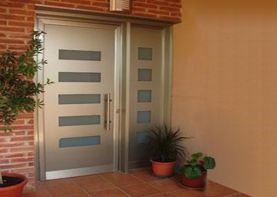 puerta_entrada_vivienda_imagelarge